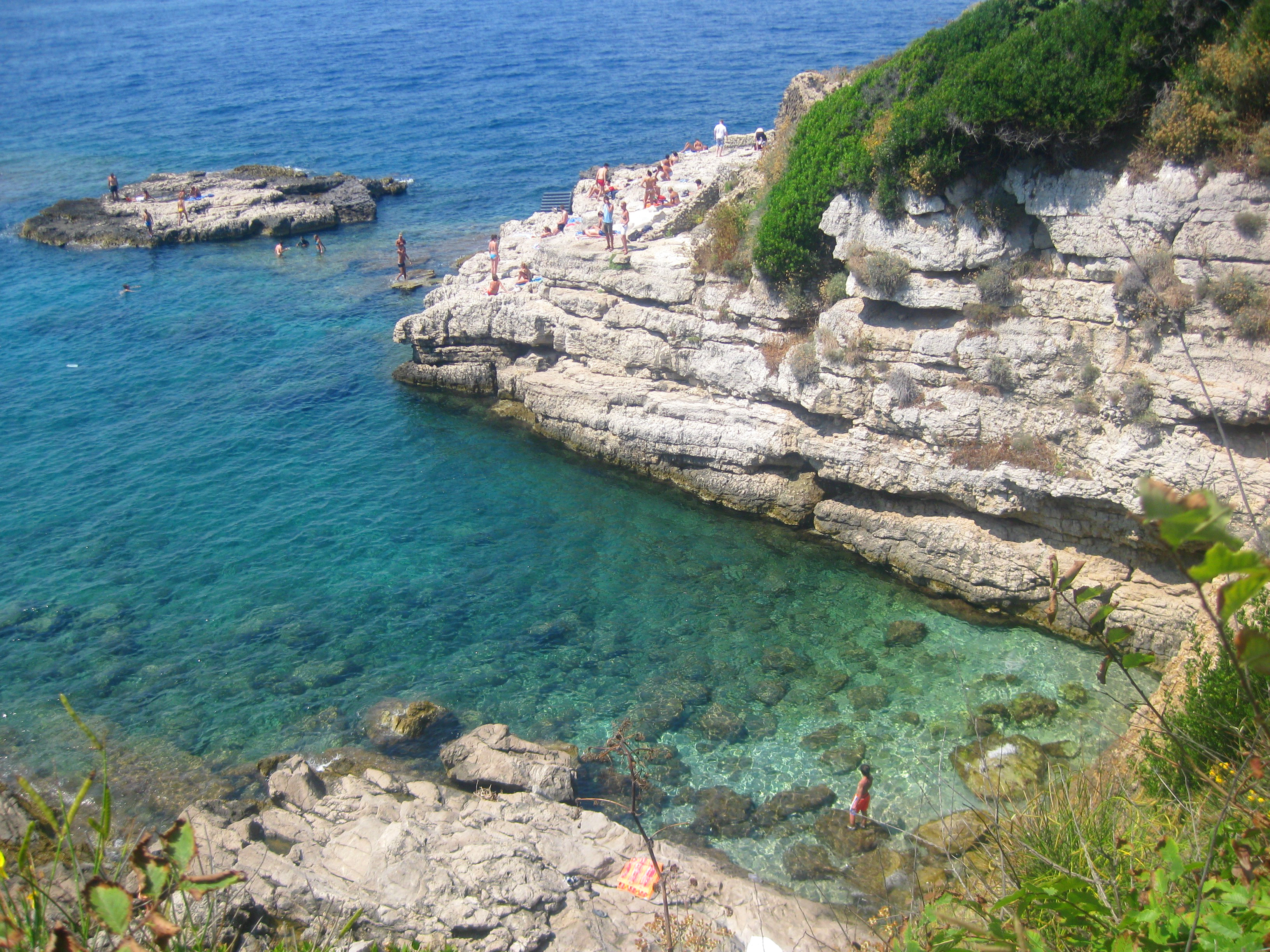 Crystal blue waters at the Bagni della Regina Giovanna